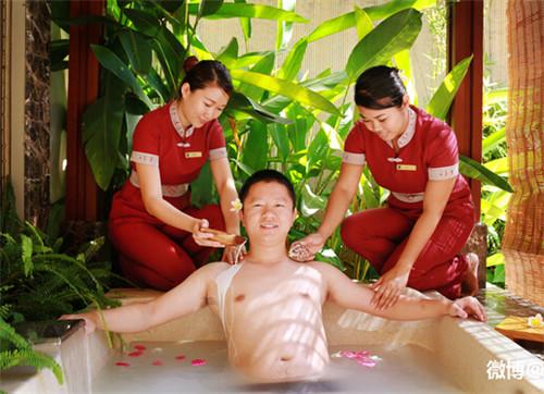 销魂异性spa体验自述 男技师巴厘岛坐腿上 spa异性推拿图片