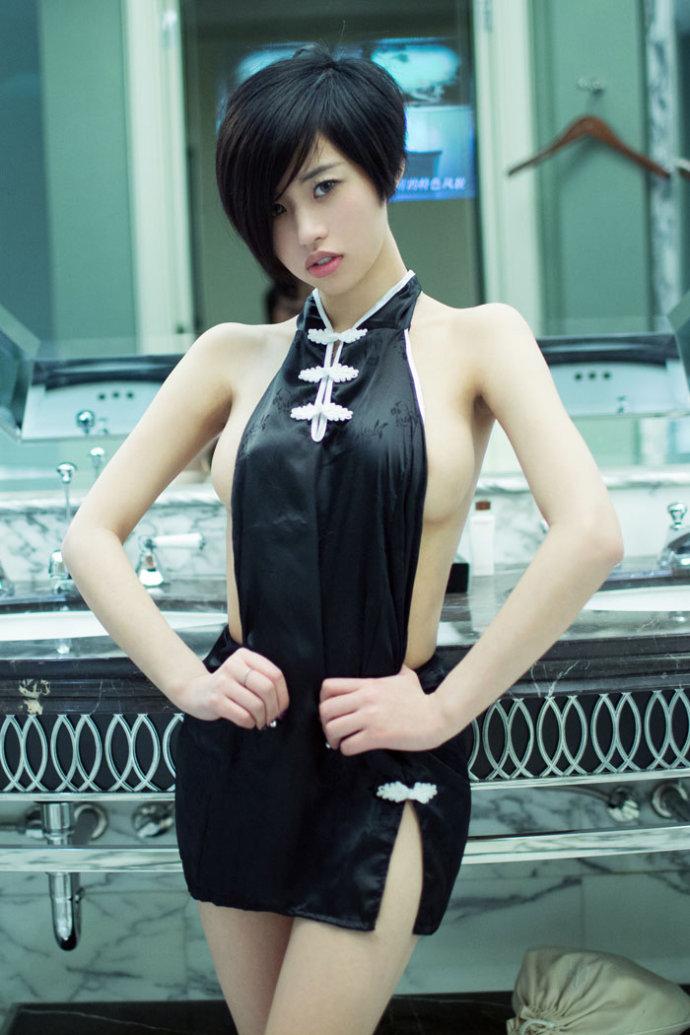 怎么自拍_【美人记】推女郎Lina演绎美人兔大胆艺术照_关注网