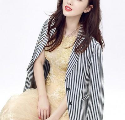 张萌黄色礼服时尚写真