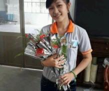 实拍在中国工厂里上班的越南女孩