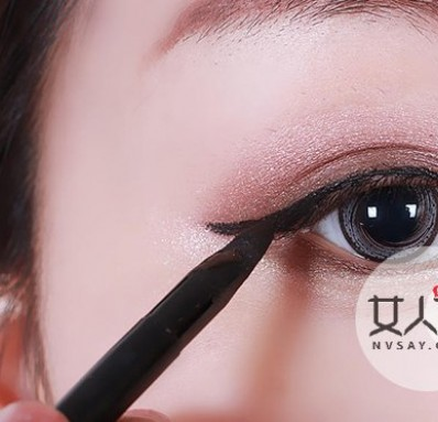 眼线的画法步骤图 眼线怎么画才好看