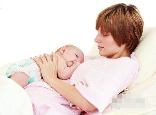 新生儿比小儿更难养!教你科学新生儿护理与喂养